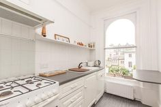 2 bed flat to rent in Abercorn Place, London