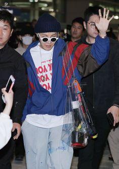 Jung Hoseok, Seokjin, Namjoon, Taehyung, Airport Fashion Kpop, Hope Fashion, Bts Inspired Outfits, Dance Academy, Airport Style