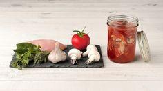 Recette Poulet Marengo en conserve - Le Parfait Bouquet Garni, Parfait, Mini Foods, Charcuterie, Mason Jars, Food Porn, Canning, Chicken, Vegetables