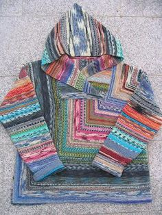 Quadratpulli - a funny pattern for all sock yarn left overs - free by Frau Morag in German and English