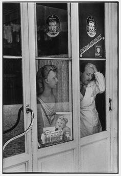 Henri Cartier-Bresson Rome, Italy, 1951 - barber shop #TuscanyAgriturismoGiratola