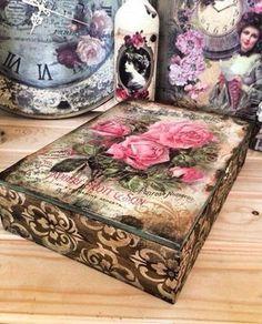 Linda caixa! Decoupage Furniture, Decoupage Box, Decoupage Vintage, Cigar Box Crafts, Shabby, Pretty Box, Altered Boxes, Vintage Box, Home And Deco