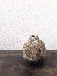 Arrived!  Beautiful ceramic vase by Masaomi Yasunaga, bought last month at his exhibition at yamahon gallery.