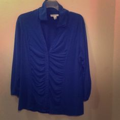 Dress Barn Blue Top This is a beautiful blue color blouse perfect for work. It's made of stretch material and looks great with jeans too! This blouse is slightly used but in great shape! Dress Barn Tops Blouses
