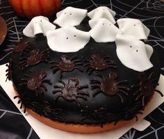 Halloween liquorice toffee cake.