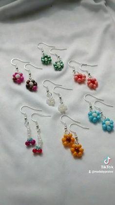 Diy Jewelry Unique, Handmade Wire Jewelry, Diy Crafts Jewelry, Bracelet Crafts, Diy Necklace, Diy Earrings, Hoop Earrings, Diy Bracelets Patterns, Beaded Jewelry Patterns
