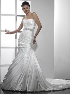 Trumpet / mermaid tulle sleeveless bridal gown