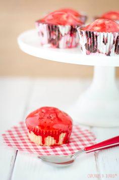 Cupcakes a diario: El cupcake-muffin-donut con glaseado de frambuesa (ni lo uno, ni lo otro)
