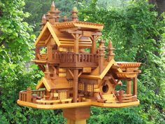Western Cedar Birdhouse Blog: Custom Unique Gift! A Castle of Birdhouse like no other!