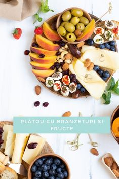 Platou cu brânzeturi și fructe,  o masă ușoară de seara sau chiar o gustare. Fresh și consistent în același timp. Easter Food, Easter Recipes, Dairy, Cheese