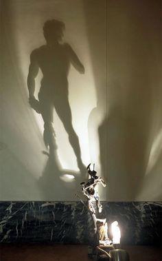 Wonderful shadow and light art by Dutch visual artist Diet Wiegman Shadow Art, Shadow Play, Shadow Painting, Light Art, Art Sculpture, Sculptures, Ombres Portées, Dutch Artists, Art Plastique