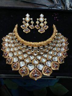 Antique Jewellery Designs, Victorian Jewelry, Jewelry Design, Indian Jewelry Sets, Indian Wedding Jewelry, Jewelry Closet, Peacock Jewelry, Luxury Jewelry, Gold Jewelry