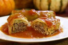 Ingredients •1 large head cabbage •1 can (8 ounces) tomato sauce •3/4 cup quick-cooking rice •1/2 cup chopped green pepper •1/2 cup crushed saltines (about 15 crackers) •1 egg, lightly beaten •1 ounce onion soup mix •1-1/2 pounds lean ground beef (90% lean) •1