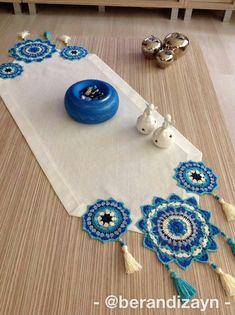 Crochet Mandala, Crochet Motif, Crochet Designs, Crochet Doilies, Crochet Home, Crochet Crafts, Crochet Projects, Crochet Placemat Patterns, Crochet Tablecloth