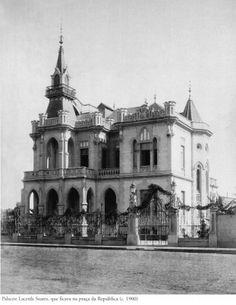 1900 - Palacete Lacerda Soares, que ficava na Praça da República. Foto de Otto Rudolf Quaas. Acervo do Instituto Moreira Salles.