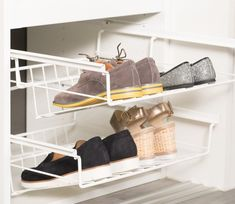 Sko, sko, sko! Ryddige skoløsninger skaper trivsel... Shoe Rack, Home, Cloakroom Basin, House, Shoe Closet, Ad Home, Homes, Haus, Shoe Racks