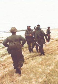 Falklands war, argentine troops april 1982, pin by Paolo Marzioli