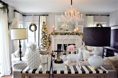 Home and Fabulous: HOME FOR THE HOLIDAYS BLOG TOUR HOME & FABULOUS STYLE Living Room Designs, Living Room Decor, Living Spaces, Living Rooms, Christmas Home, Christmas Kitchen, Xmas, Deco Table, Home And Deco