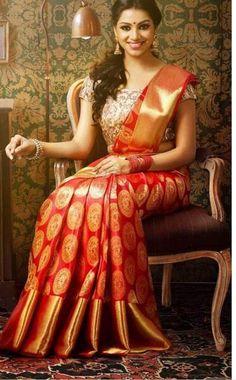 Buy Pure Kanjivaram silk sarees online @ best price from kanchi sarees makers. Our collections - Kanchipuram silk sarees, Kanchi pattu, Bridal kanjivaram sarees SILK Certified Kerala Wedding Saree, Indian Bridal Sarees, Wedding Silk Saree, South Indian Sarees, Designer Sarees Wedding, Kerala Bride, South Silk Sarees, Indian Silk Sarees, Hindu Bride