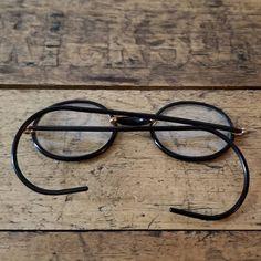 Antique Bausch and Lomb SQ Windsor Eyeglasses Black and GF John Lennon Glasses, British Decor, Orange Lamps, Harry Potter Glasses, Ceramic Birds, Replacement Lenses, Vintage Frames, Prescription Lenses, Windsor