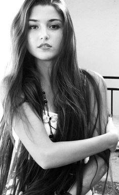Hande Erçel I like mine shaken stirred and then some Beautiful Celebrities, Beautiful Actresses, Most Beautiful Women, Turkish Beauty, Indian Beauty, Hande Ercel, Woman Crush, Pretty Face, Lany
