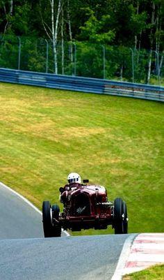 doyoulikevintage:  1933 Alfa Romeo Monza 8C-2600