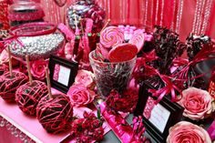 Magenta Candy Bar - absolutely beautifull! We can't wait to create something smilar for a bride, maybe for you:)
