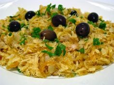 Bacalhau a Bras is a very easy to prepare codfish recipe, much appreciated by th. Bacalhau a Bras is a very easy to prepare codfish recipe, much appreciated by the Portuguese, who can Bacalhau A Bras Recipe, Bacalhau Recipes, Cod Fish Recipes, Seafood Recipes, Dinner Recipes, Cooking Recipes, Whole30 Recipes, Fish Varieties, Portuguese Recipes