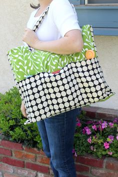 pottery barn inspired tote tutorial - extra large with pockets!