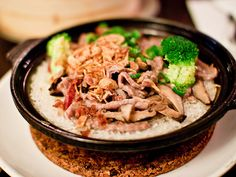 """This is a delicious Chinese street food mainly found in Malaysian an Singapore. Is like steaming hot with the slightly burnt rice underneath the pot gives the """"crunch"""" to the whole dish!"""