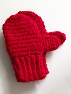 These easy crocheted mittens will keep your fingers warm during winter! (Lion Brand Yarn)