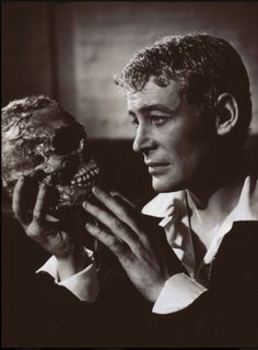 Peter O'Toole | Hamlet | National Theatre, 1963 | Directed by Laurence Olivier | Photo by Angus McBean -
