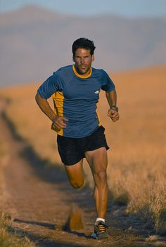 This guy is nuts: Dean Karnazes; he enjoys ultra marathons. His love for #running can probably never be matched. #idol