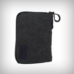 "The RYOT PackRatz in Black is a compact protection solution for daily use. These well padded pouches feature a SmellSafe™ zipper and microscopic carbon application to create a scent resistant enclosure for your favorite glass, vaporizer, or other small valuables. •	Size: Medium •	Dimension: 4.5"" x 6.5"" Sizes"