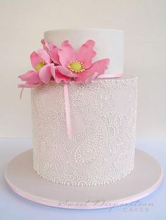 Sweet Disposition Cakes---wow, that piping is amazing!