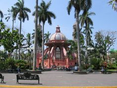 Miss strolling through the Plaza de Armas and shopping for supplies weekends in Tampico (Tampico, Tamaulipas, Mexico).