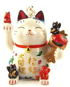 I believe everyone has heard about this iconic lucky cat. The maneki neko is a really popular lucky charm in Chinese marketplaces.
