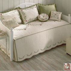 BLOSSOM DAYBED COVER Daybed Covers, Daybeds, Bed Styling, Bedspread, Home Collections, Libraries, Mattress, Nest, Diy And Crafts
