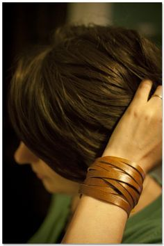 DIY Leather cuff. Exactly what I want. great to know I can make it!
