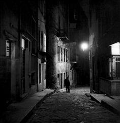 tosboğa sokak, beyoğlu, 1954  photo by ara güler, from ara güler's istanbul
