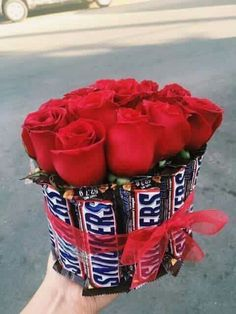 Best Valentine& Day Gifts For Him 11 - - Gift . - Best Valentine& Day Gifts For Him 11 – – poison …, - Diy Gifts For Him, Cute Gifts, Cool Gifts For Men, Cool Presents, Valentines Bricolage, Best Valentine's Day Gifts, Chocolate Bouquet, Chocolate Roses, Candy Bouquet