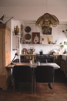 Rustic Country Kitchen Our Kitchen has distressed walls and an exposed ceiling and leads through to our much crisper dining room. Home Decor Kitchen, Interior Design Kitchen, Home Kitchens, Kitchen Ideas, Kitchen Layout, Diy Kitchen, Casa Hotel, Rustic Country Kitchens, Kitchen Rustic