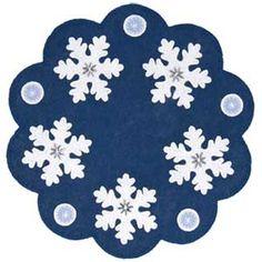 Snowflakes Penny Rug, felt applique and embroidery Felt Embroidery, Felt Applique, Applique Quilts, Felted Wool Crafts, Felt Crafts, Wool Felting, Penny Rug Patterns, Quilt Patterns, Wool Mats