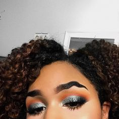 So, how do you do it? Promise says she began by using washable PVA Glue to flatten her hair in one direction before using concealer, setting and pressed powders to hide her brows. Then she drew on the wavy eyebrows using a black gel liner mixed with powder. To clarify: glue, concealer, eyeliner.🌑Fosterginger.Pinterest.Com🌑More Pins Like This One At FOSTERGINGER @ PINTEREST 🌑No Pin Limits🌑でこのようなピンがいっぱいになる🌑ピンの限界🌑 Using Concealer, Dip Brow, Gel Liner, Her Hair, Eyebrows, Beautiful People, Braids, Hair Beauty, Make Up