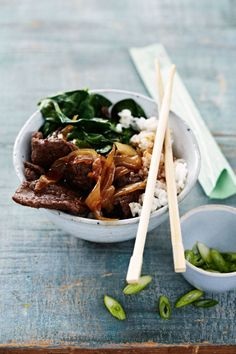 Bill Granger - Steak Gyudon Photography: Kristin Perers Food stylist: Marina Filippelli and Rosie Reynolds Props merchandising: Rachel Jukes Photo: Photography: Kristin Perers Food Asian Recipes, Beef Recipes, Cooking Recipes, Ethnic Recipes, Asian Foods, Easy Cooking, Recipies, Thai Beef Salad, Aussie Food
