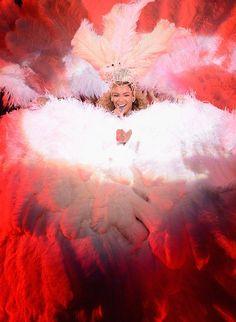 Bombshell Alert! Beyonce does Showgirls. #love