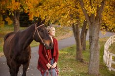 senior-photos-with-horse-16.JPG