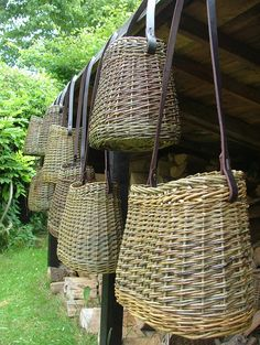 Images of our many traditional willow baskets Willow Weaving, Basket Weaving, Image Basket, Basket Willow, Making Baskets, Traditional Baskets, Basket Crafts, Newspaper Basket, Weaving Art
