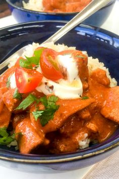 Clean Eating Chicken Tikka Masala An amazing, clean eating spin on a classic Indian Curry. Mild enough for the kids to enjoy too. Cheap Meals To Cook, Cheap Vegetarian Meals, Indian Food Recipes, Real Food Recipes, Healthy Recipes, Ethnic Recipes, Healthy Dinners, Healthy Snacks, Cooking Recipes