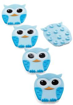 Best Hoot Forward Bathtub Treads: If your tub needs to get wise to your playful style then heres an idea that will stick! This set of owl-shaped Kikkerland bath treads suction to the floor of … Owl Bathroom, Childrens Bathroom, Owl Always Love You, Bath Decor, Modcloth, Retro Vintage, Retro Baby, To My Daughter, Cute
